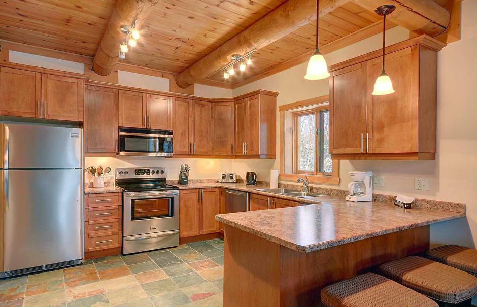 interieur maison en bois rond avie home. Black Bedroom Furniture Sets. Home Design Ideas